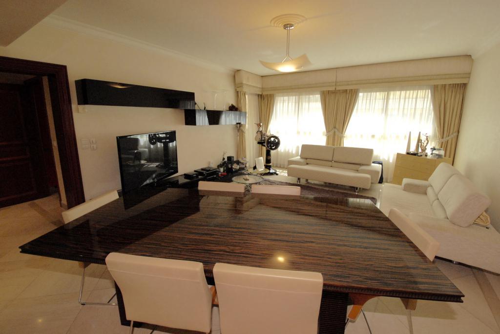 bel appartement dans r sidence moderne appartement monaco agence de la gare agence. Black Bedroom Furniture Sets. Home Design Ideas
