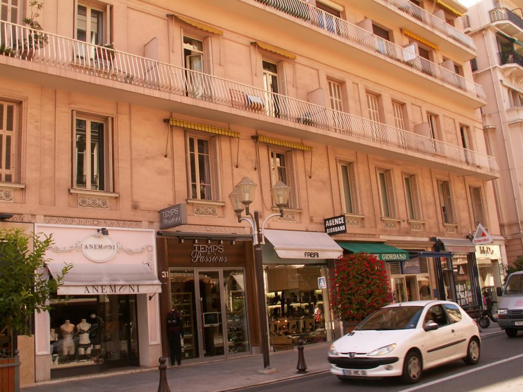 Appartements vendre ou louer dans l 39 immeuble monte for Chambre de commerce monaco