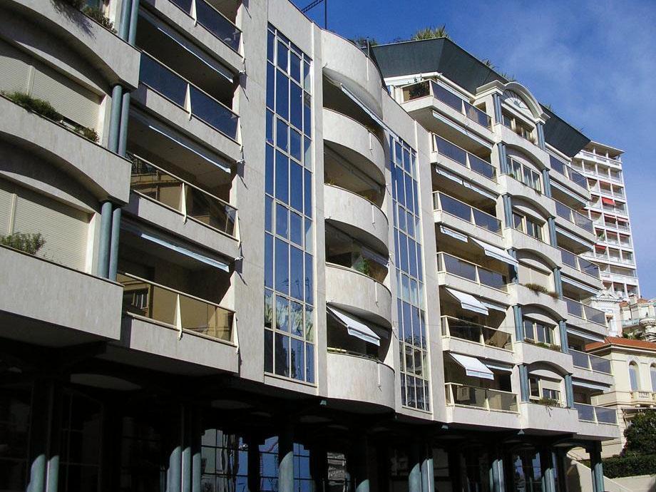 Appartements vendre ou louer dans l 39 immeuble rocazur for Chambre a louer monaco