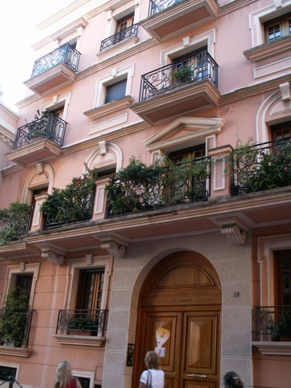 Appartements vendre ou louer dans l 39 immeuble rocamar for Chambre a louer monaco