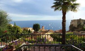 Beautiful Provencal villa on the heights of Monaco
