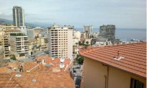 2 bed apt on French/Monaco border