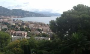 2 bed apartment Cap Martin