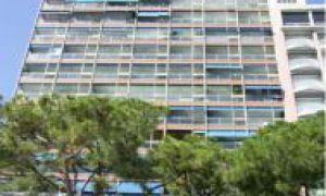 NICE 2 BEDROOMS APARTMENT ON THE PORT OF MONACO