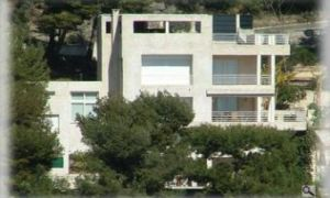 Nice  contemporary villa on Roquebrune.