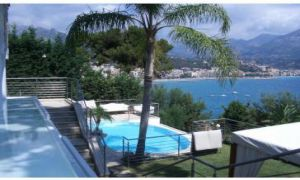 CONTEMPORARY VILLA IN ROQUEBRUNE CAP MARTIN