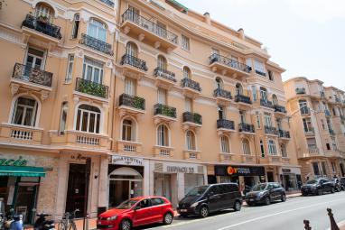Ventes Monaco - Superbe 3 pièces aménagé en 2 pièces, rénové et décoré avec des matériaux nobles - Monaco Monte-Carlo