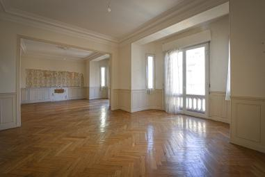 Ventes Monaco Appartement - NOUVEAU ! 5/6 PIECES BOURGEOIS FAMILIAL - TRES BEAUX VOLUMES  ! - Monaco Monte-Carlo