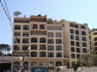 Agence EIP - Nice two rooms on the first floor of the Mantegna, with basement car park and terrace. - Monaco Monte-Carlo