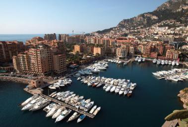 Agence EIP - Bel appartement au rez de chaussée du Donatello, avec un parking et cave. - Monaco Monte-Carlo