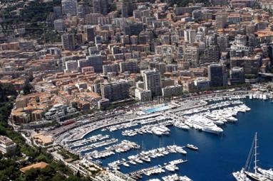 Rey & Nouvion Immobilier - Boutique de prêt à porter à la Condamine - Monaco Monte-Carlo