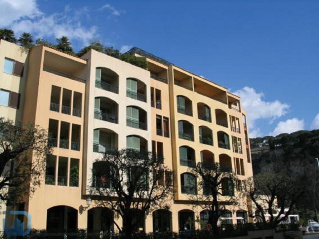 Monaco Villas - FONTVIEILLE CIMABUE BUREAU 25 m² AVEC VITRINE - Monaco Monte-Carlo