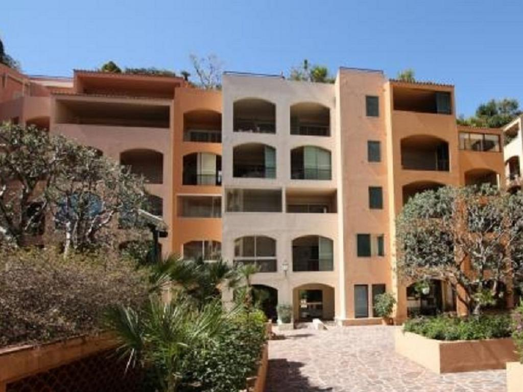 Blu Immobilier - FONTVIEILLE DONATELLO 2 ROOMS MIXED USE WITH CELLAR - Monaco Monte-Carlo