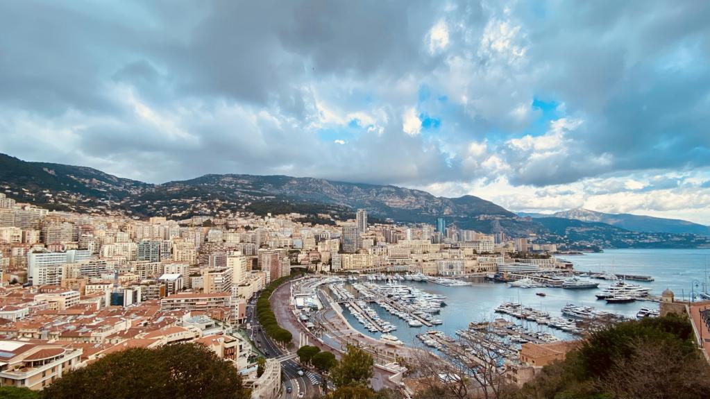Blu Immobilier - MONACO VILLE - 3 ROOMS DUPLEX WITH HERCULES HARBOUR VIEW - Monaco Monte-Carlo