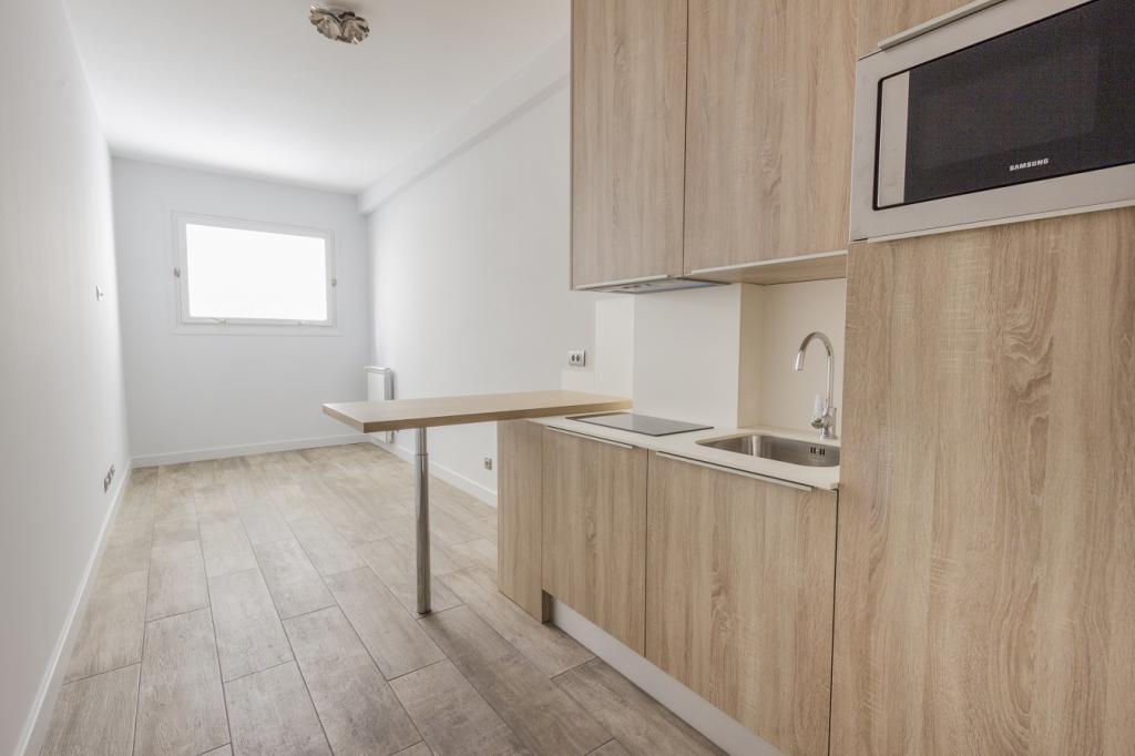 Blu Immobilier - TROCADÉRO 5ème ÉTAGE CHAMBRE DE BONNE n°10 24,80 m² - Monaco Monte-Carlo