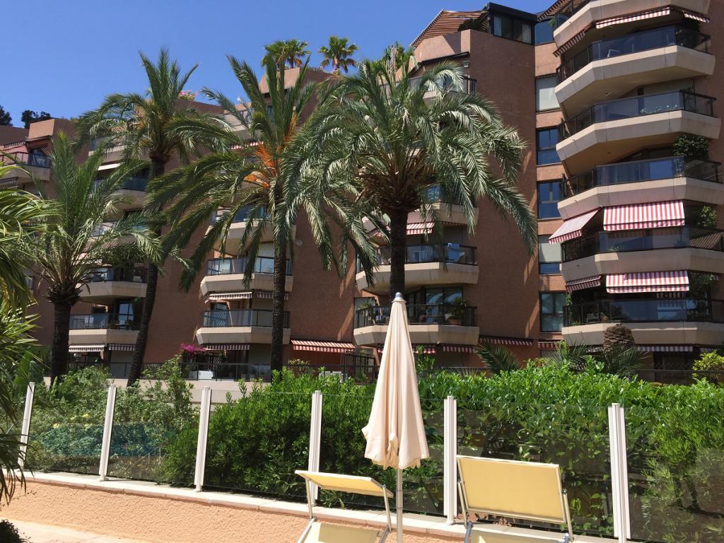 Blu Immobilier - MONTE CARLO SUN 3 PIÈCES VUE MER CAVE ET PARKING - Monaco Monte-Carlo