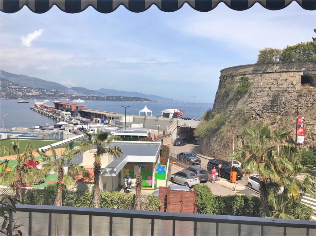 Blu Immobilier - RUSCINO 3 P : USAGE MIXTE VUE SUR LE PORT - Monaco Monte-Carlo