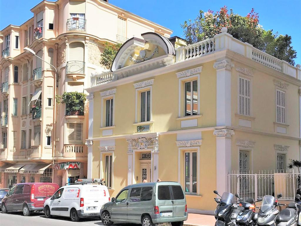 Blu Immobilier - HOTEL PARTICULIER EN PLEIN CENTRE DE MONTE CARLO - Monaco Monte-Carlo