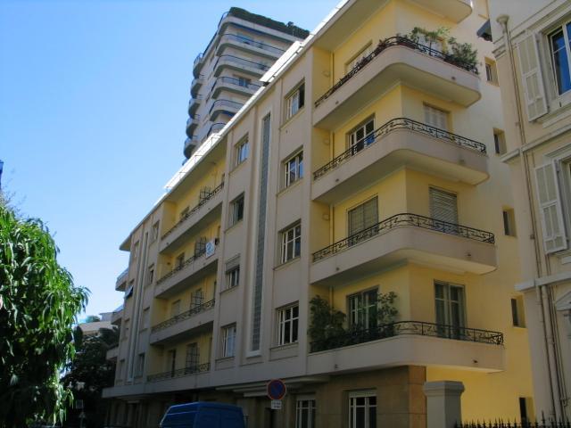 Appartements vendre ou louer dans l 39 immeuble rose de for Chambre a louer monaco