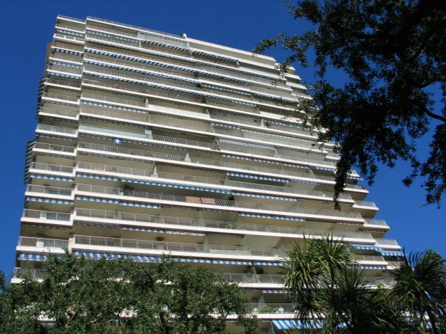 apartments to sell or to rent in the building sun tower in monte carlo